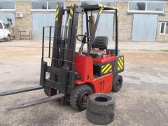 Repair of forklifts, stackers, hydraulic carts